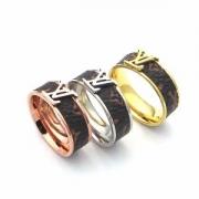 今シーズン新作ファッション指輪コピーM62669ヴィトンLOUIS VUITTONバーグ・LVストーン タイガーアイリングコピー個性的メンズアクセサリーコピー