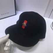 グッチスーパーコピー 帽子ウール高級品 GUCCIメンズキャップコピー 柔らかな被り心地 シンプルなデザイン 防寒性抜群 万能アイテム 心惹かれるスタイル