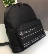 ジバンシー メンズ バッグ 2019年春夏の流行アイテム おしゃれ上級者の印象がある GIVENCHY