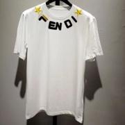 FENDI メンズ tシャツ 今季で一番大人気なモデル フェンディ コピー ブラック ホワイト ロゴ コーデ 相性抜群 最低価格
