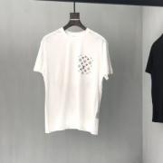 Louis Vuitton メンズ 服 個性派が必見の限定新作 ルイヴィトン tシャツ スーパーコピー 2色可選 通勤通学 コーデ 高品質